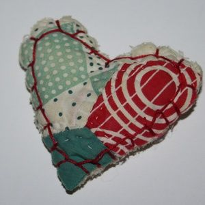 Beautiful vintage quilted heart brooch